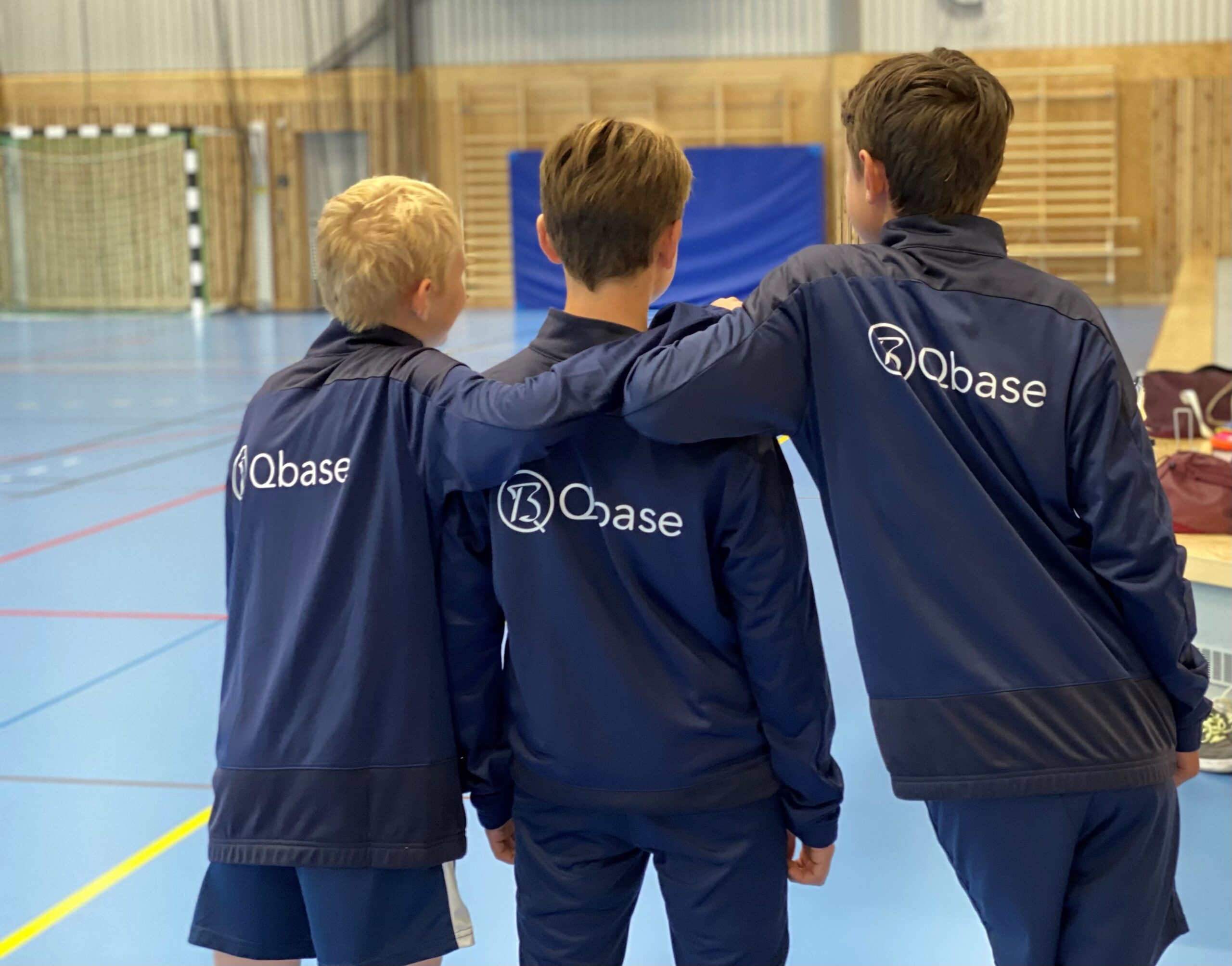 Qbase är nu stolt sponsor av Lidingös innebandylag IBF Offensiv Lidingö.
